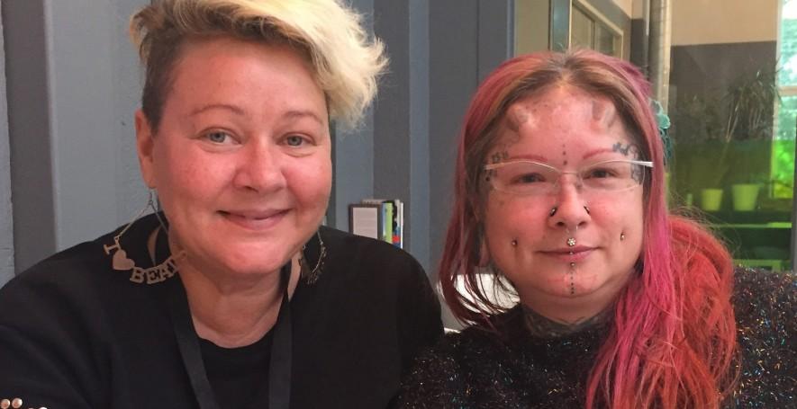 Lotta och Helena arbetar på Nätvandrarna, ett projekt hos Fryshuset